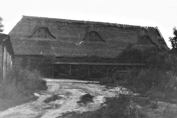 1974-um-03-sammlung-rolf-maichel-klosterscheune-img-00083929BBA7-D4EB-E922-254C-ADB36891D7B5.jpg